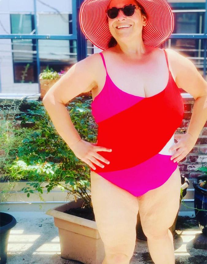 Photo of Jennifer Weiner in a bathing suit
