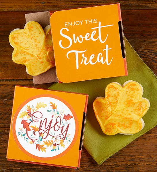 Photo of cookie card for fall wedding favor ideas