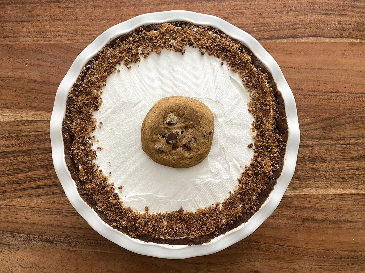 Photo of a pumpkin chocolate chip pudding pie