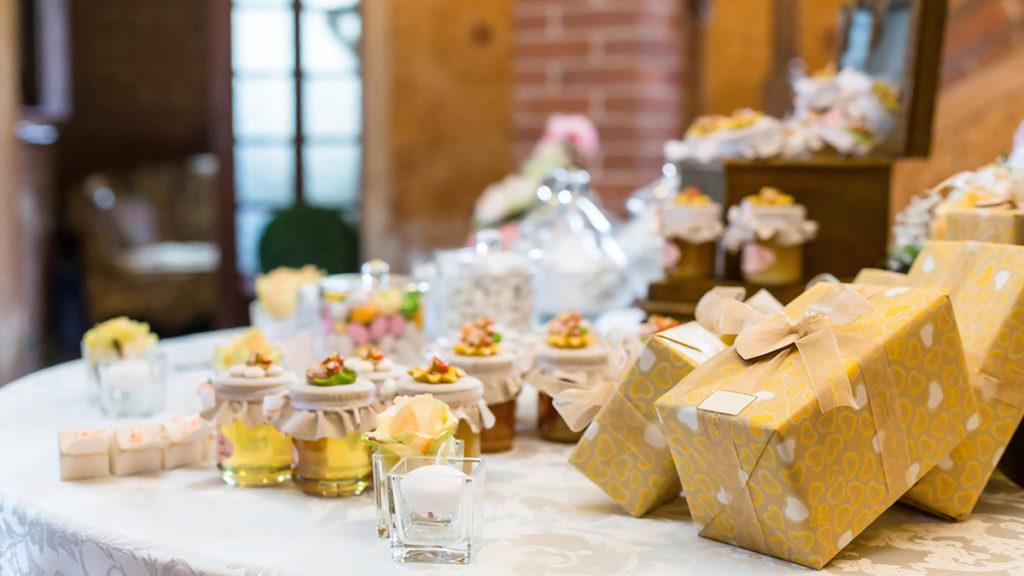Photo of fall wedding favors ideas