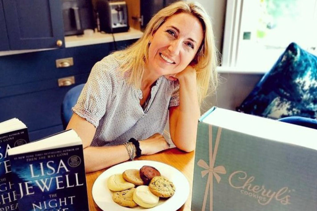 Photo of Lisa Jewell with her book The Night She Disappeared